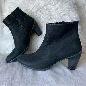 Ecco Black Leather Heeled Ankle Boots